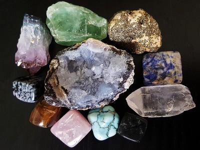 Doğal Taşların Faydaları ve Özellikleri Nelerdir? Nasıl Kullanılır?