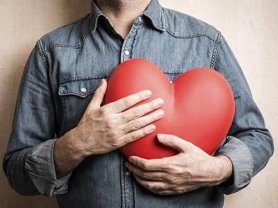 Kalp Sıkışması Neden ve Nasıl Olur? Ne İyi Gelir?
