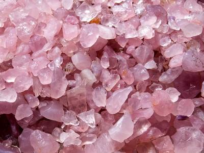Kristal Kuvars Taşı Faydaları Nelerdir? Nasıl Kullanılır? Nasıl Temizlenir?