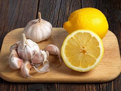 Limon Suyu Sarımsak Kürü Faydaları ve Zararları Nelerdir? Nasıl Yapılır? Zayıflatır mı?