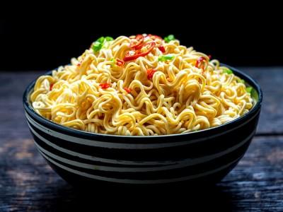 Noodle Kısır Yapar mı? Bağımlılık Yapar mı? Zararları Nelerdir?