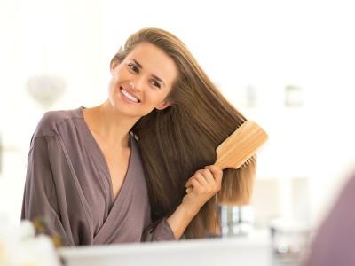 Saç Neden Dökülür? Saç Dökülmesi Nasıl Engellenir? Önlemek İçin Doğal Yöntemler
